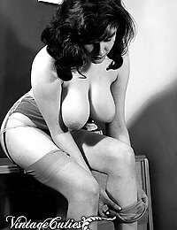 Big Boobed Ladies And Naked Girls Of Vintage 1970 Era