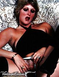 Charming Women Bodies In Classic Erotica
