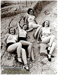 Hot Collection Of Group Naked Female Photos From The 40's